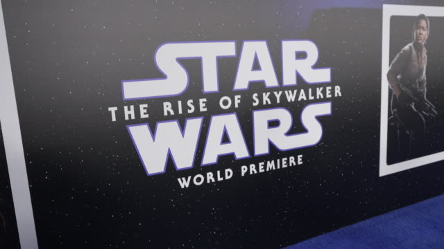 """at the premiere of disney's """"star wars: the rise of skywalker"""" on december 16, 2019 in hollywood, california. - 雰囲気点の映像素材/bロール"""