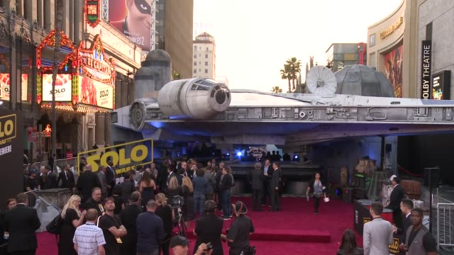 atmosphere at the solo a star wars story world premiere at the el capitan theatre on may 10 2018 in hollywood california - star wars stock videos & royalty-free footage