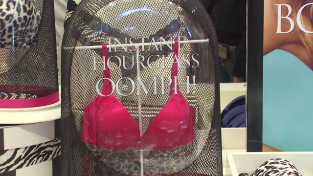 ATMOSPHERE at the Victoria's Secret Models Share Shopping Secrets Of A Supermodel at Los Angeles CA