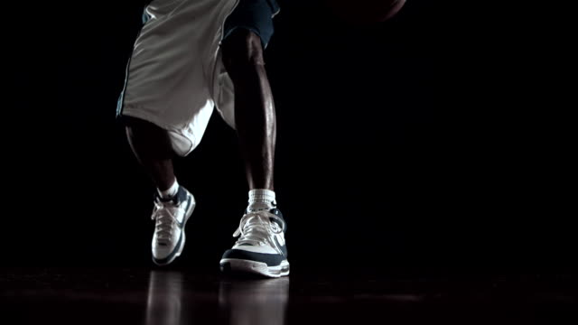 ms slo mo athlete dribbling basketball / beaverton, or, usa - sportkleidung stock-videos und b-roll-filmmaterial