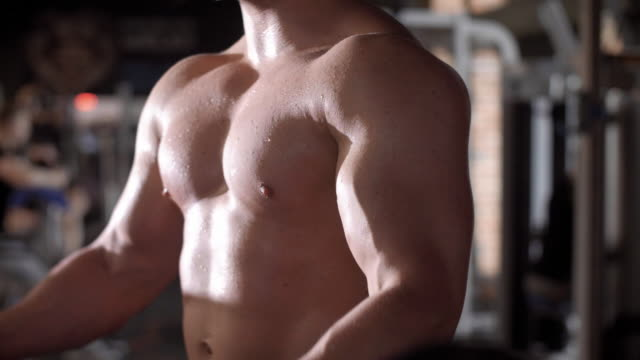 vidéos et rushes de athlete lifting a barbell/ mielec/ poland - musculation