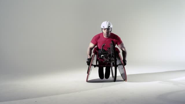 athlete using wheelchair - 白背景点の映像素材/bロール