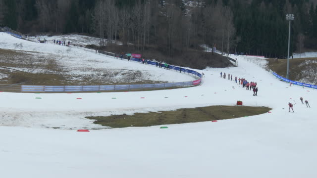 athletes compete in the cross country skiing race during nordic combined world cup in val di femme on february 26, 2016 in italy. no audio - längd bildbanksvideor och videomaterial från bakom kulisserna