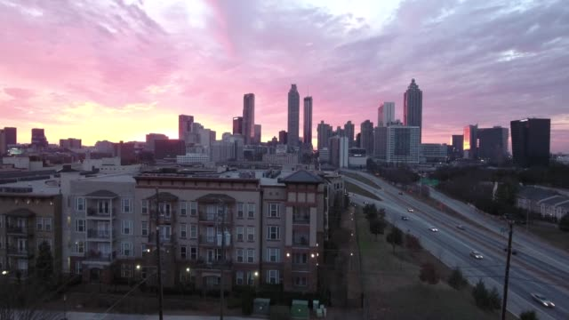 atlanta sunset perfectly timed - georgia stati uniti meridionali video stock e b–roll