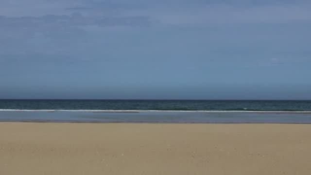 vídeos de stock, filmes e b-roll de atlantic beach - tubo de ondas