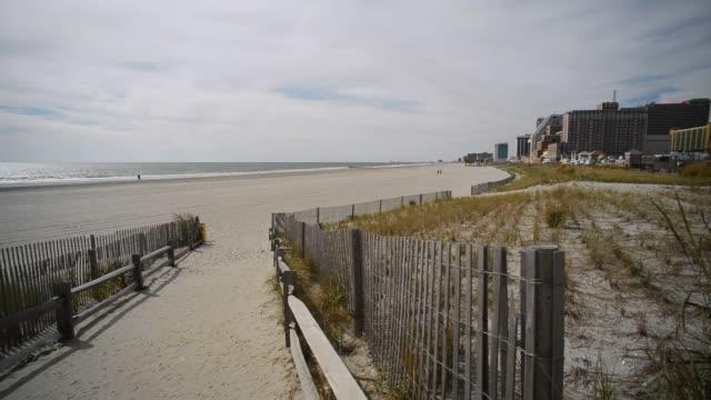 vídeos y material grabado en eventos de stock de entrada de la playa de atlantic city - bulevar