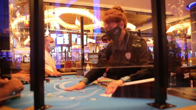 vídeos y material grabado en eventos de stock de atlantic city casinos specifically ocean and hard rock in these videos enjoying a slow comeback since murphy ordered all nine casinos closed on march... - escritura occidental