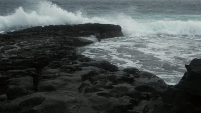 atlantic waves breaking at rocky shore - doolin stock videos & royalty-free footage