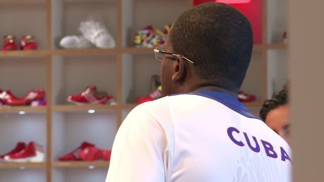 atleta cubano tras el oro london united kingdom - hombres stock videos & royalty-free footage
