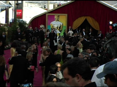 atmosphere at the 2005 annual academy awards arrivals at the kodak theatre in hollywood california on february 28 2005 - 第77回アカデミー賞点の映像素材/bロール