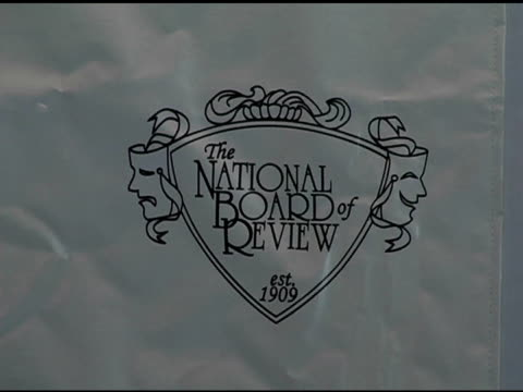 atmosphere at the 2005 national board of review of motion pictures awards ceremony at tavern on the green in new york new york on january 10 2006 - tavern on the green stock videos & royalty-free footage