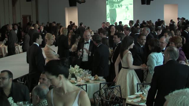 atmosphere at the bill clinton honors oscar de la renta at parsons' 58th annual benefit and fashion show at the chelsea piers in new york, new york... - chelsea piers stock videos & royalty-free footage