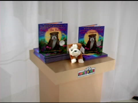 Atmosphere at the Book Signing of Gloria Estefan's New Children's Book at Toys R Us Times Square in New York New York on October 12 2005