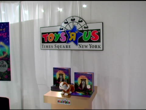 atmosphere at the book signing of gloria estefan's new children's book at toys r us times square in new york new york on october 12 2005 - toys r us stock videos and b-roll footage