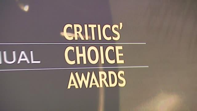 atmosphere at the broadcast film critics association's 2007 critic's choice awards at santa monica civic auditorium in santa monica california on... - broadcast film critics association stock videos & royalty-free footage