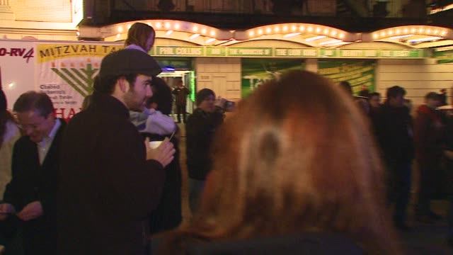 atmosphere at the celebration of the birth of jesus by stephen baldwin at times square nativity at parking lot on 46th b/w 8th & broadway in new... - stephen baldwin stock-videos und b-roll-filmmaterial