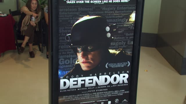 vídeos de stock, filmes e b-roll de atmosphere at the 'defendor' premiere at los angeles ca - defendor