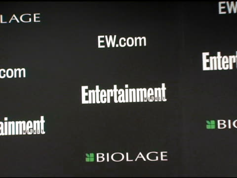 stockvideo's en b-roll-footage met atmosphere at the entertainment weekly's viewing party for 2006 academy awards at elaine's in new york, new york on march 5, 2006. - entertainment weekly