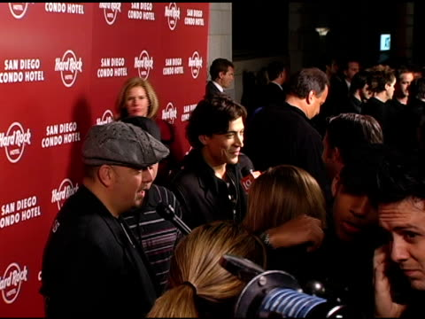 vidéos et rushes de atmosphere at the exclusive launch party for the hard rock hotel san diego at the hard rock hotel in san diego, california on february 16, 2006. - exclusivité
