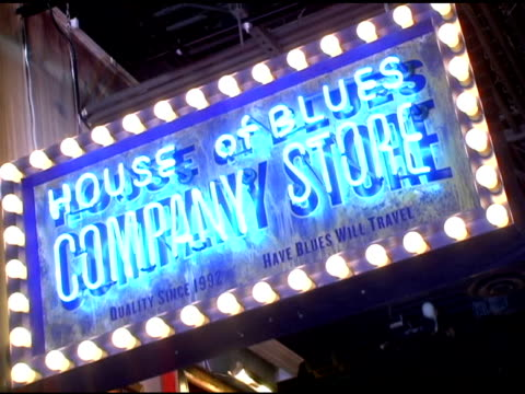 vídeos y material grabado en eventos de stock de atmosphere at the grand opening of the san diego house of blues' with the blues brothers featuring dan aykroyd and jim belushi on may 21, 2005. - jim belushi