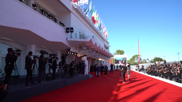 atmosphere at the human voice red carpet during the 77th venice film festival at sala grande on september 3, 2020 in venice, italy. - べネチア国際映画祭点の映像素材/bロール