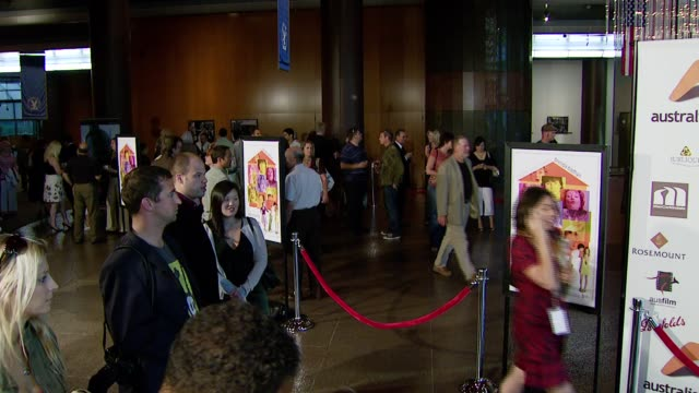 atmosphere at the 'introducing the dwights' los angeles premiere at director's guild of america in hollywood california on june 26 2007 - director's guild of america stock-videos und b-roll-filmmaterial