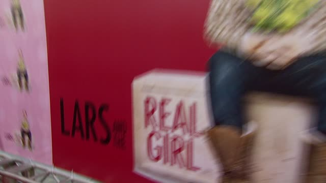 vidéos et rushes de atmosphere at the 'lars and the real girl' los angeles premiere at academy of motion picture arts and sciences in beverly hills california on october... - academy of motion picture arts and sciences
