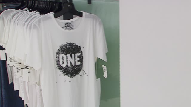 Atmosphere at the Launch of New ONE TShirt by EDUN at Nordstroms @ The Grove in Los Angeles California on September 17 2006