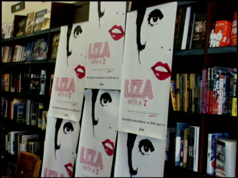 Atmosphere at the Liza With a 'Z' DVD Signing at Barnes Noble at The Grove in Los Angeles California on May 6 2006