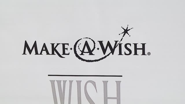 atmosphere at the make-a-wish foundation's wish night 2006 at the beverly hills hotel in beverly hills, california on november 17, 2006. - beverly hills hotel stock videos & royalty-free footage