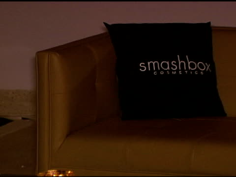 atmosphere at the smashbox cosmetics celebration of the holidays and brent bolthouseæs birthday at covenant house california in los angeles,... - 証書点の映像素材/bロール