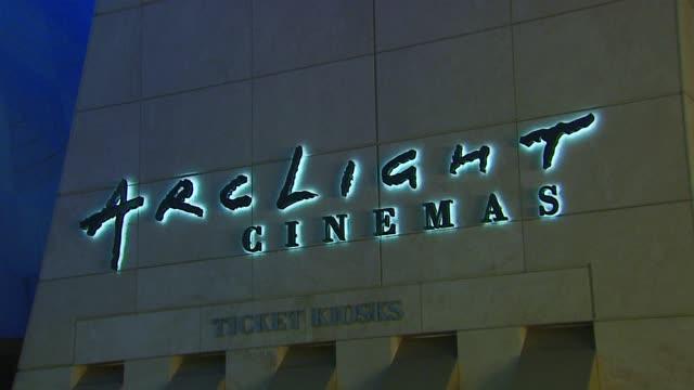 vídeos y material grabado en eventos de stock de atmosphere at the 'starter for 10' los angeles premiere at arclight cinemas in hollywood california on february 6 2007 - arclight cinemas hollywood