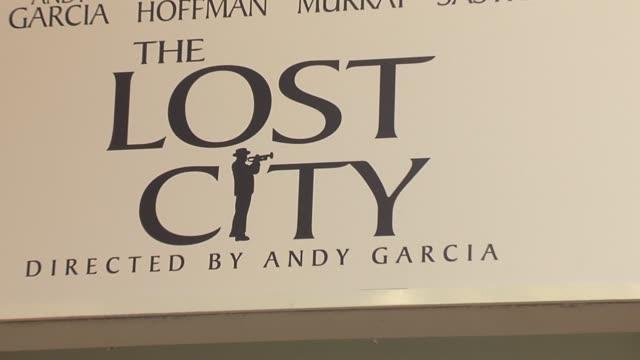 vídeos y material grabado en eventos de stock de atmosphere at the the lost city los angeles premiere at arclight cinemas in hollywood, california on april 17, 2006. - arclight cinemas hollywood