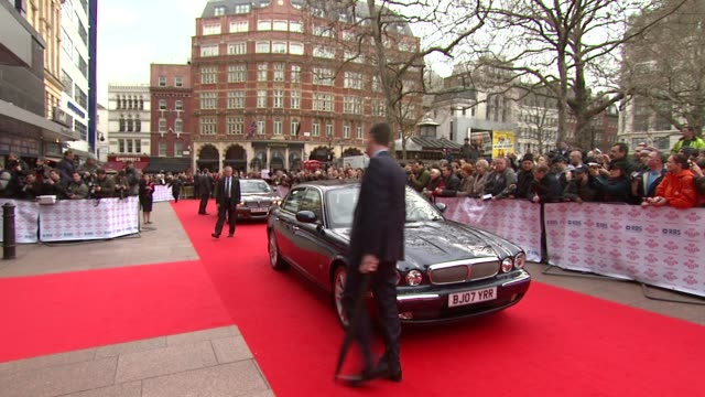 atmosphere at the the prince's trust success awards at the odeon leicester square in london on march 18, 2008. - プリンスズトラスト点の映像素材/bロール