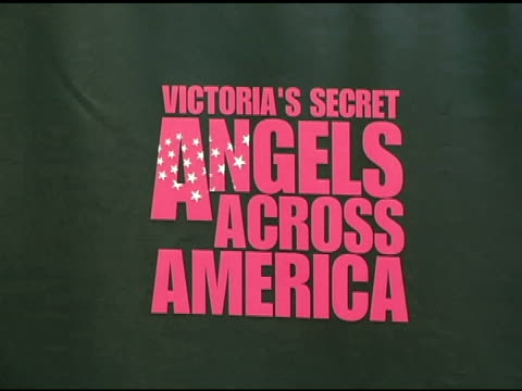 atmosphere at the victoria's secret 'angels across america' at the grove in los angeles california on november 12 2004 - the grove los angeles stock videos & royalty-free footage