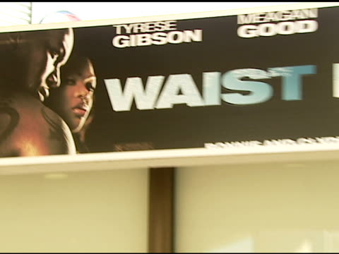 vídeos y material grabado en eventos de stock de atmosphere at the 'waist deep' premiere at the cinerama dome at arclight cinemas in hollywood, california on june 15, 2006. - arclight cinemas hollywood