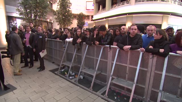 Atmosphere Fans at the Michael Jackson This Is It Performances Announcement at London