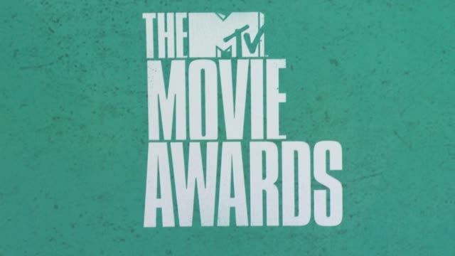 signage at 2012 mtv movie awards - arrivals at gibson amphitheatre on june 03, 2012 in universal city, california - gibson amphitheatre stock-videos und b-roll-filmmaterial