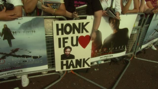 atmosphere & signage at the x-files: i want to believe uk premiere at london . - xファイル点の映像素材/bロール