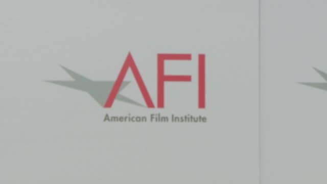 atmosphere - warren beatty to be honored with 36th afi lifetime achievement award backdrop at the warren beatty to be honored with 36th afi lifetime... - warren beatty stock videos & royalty-free footage