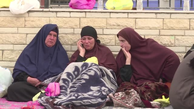 attackers killed at least 235 worshippers friday in a bomb and gun assault on a packed mosque in egypt's restive north sinai province in the... - sinai egitto video stock e b–roll