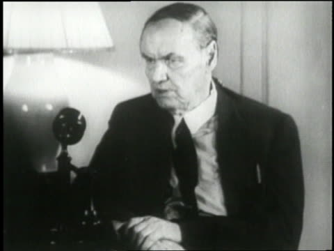 us attorney clarence darrow speaks out against the national recovery administration - anno 1933 video stock e b–roll