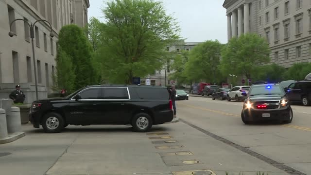 us attorney general bill barr's motorcade arrives at the justice department in washington before a press conference on special counsel robert... - department of justice stock videos & royalty-free footage