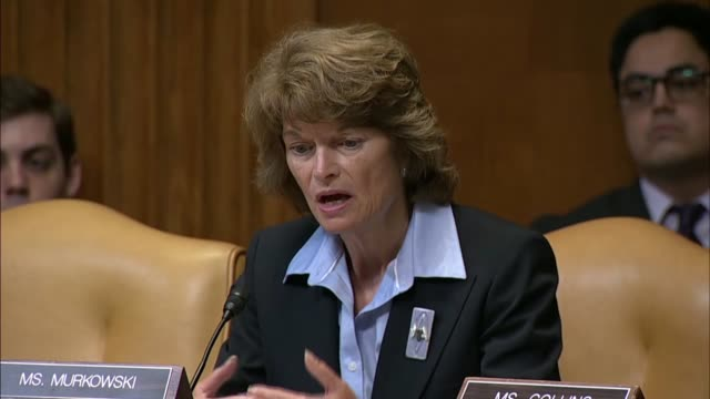 vidéos et rushes de attorney general jeff sessions answers questions from alaska senator lisa murkowski at a senate appropriations subcommittee at a fiscal 2019 budget... - united states congress