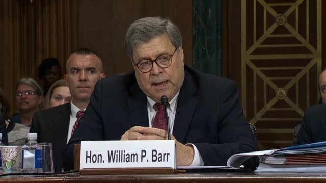 stockvideo's en b-roll-footage met attorney general william barr tells california senator dianne feinstein at a senate judiciary committee hearing on the report of special counsel... - procureur generaal
