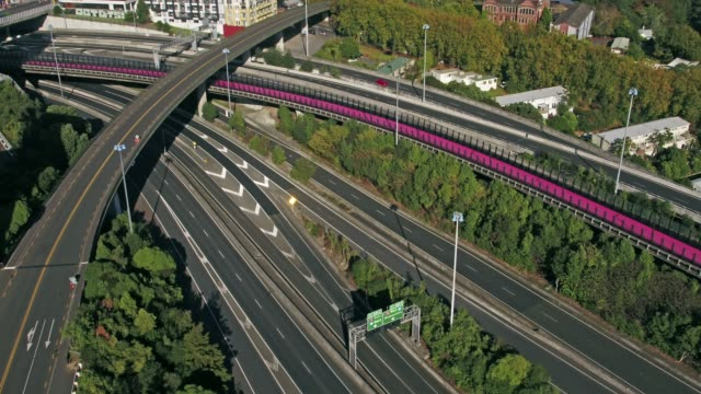 auckland's motorways are noticeably empty on the last day of level 4 lockdown on april 27th 2020 in auckland new zealand new zealand has been in... - lockdown stock videos & royalty-free footage