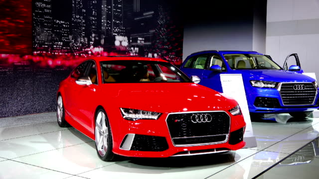 audi quattro rs7 in the canadian international autoshow which is canada's largest automotive show held annually at the metro toronto convention centre - strategia di vendita video stock e b–roll