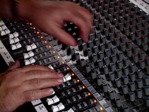 vidéos et rushes de audio mélanger repasser (pal – dv - studio d'enregistrement