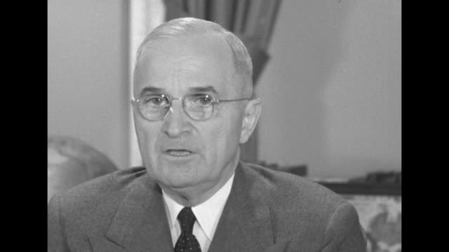 "vídeos de stock e filmes b-roll de [audio not synchronized] president harry s truman speaks to the nation from the white house: ""the government is establishing an office of defense... - general electric"