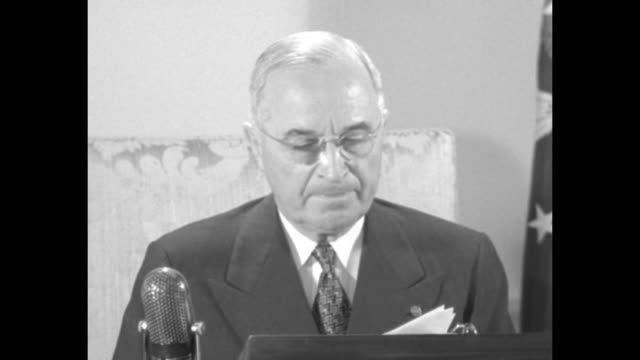 [audio not synchronized] sot pres harry truman my fellow americans our country faces a grave danger the possibility that the way we want to get steel... - labor union stock videos and b-roll footage